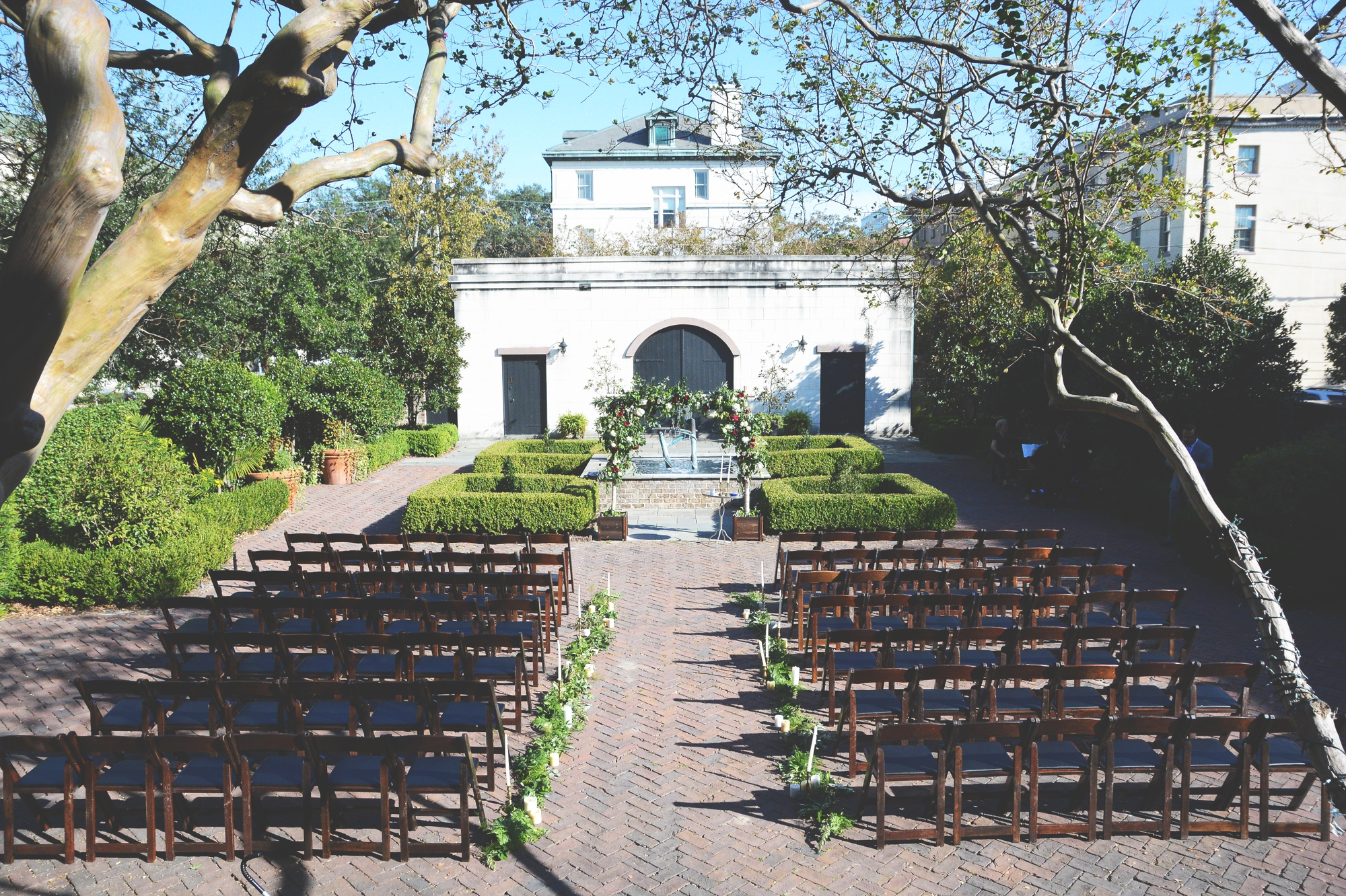savannah-ga-harper-fowlkes-house-soho-south-cafe-wedding-six-hearts-photography029