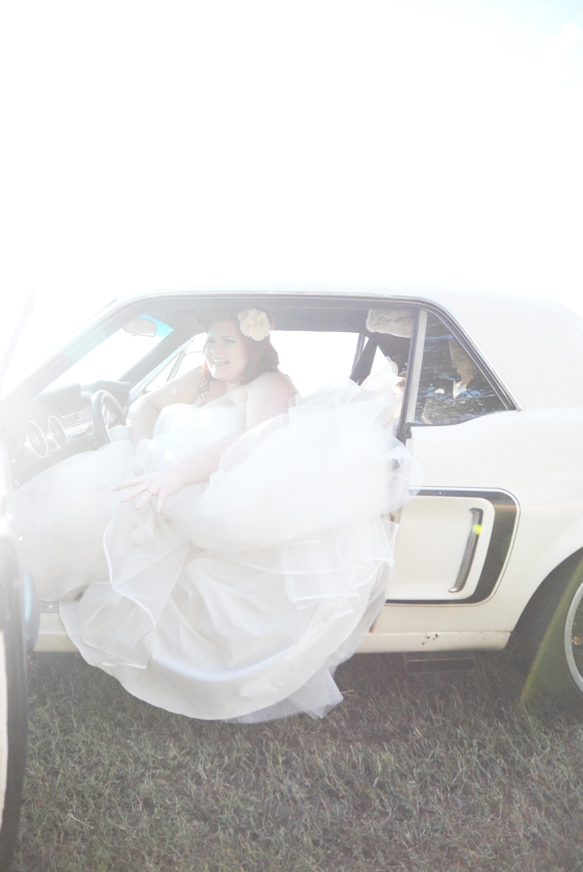 the-red-tin-barn-wedding-six-hearts-photography049