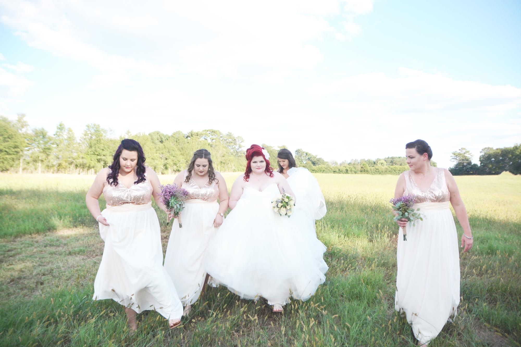the-red-tin-barn-wedding-six-hearts-photography060