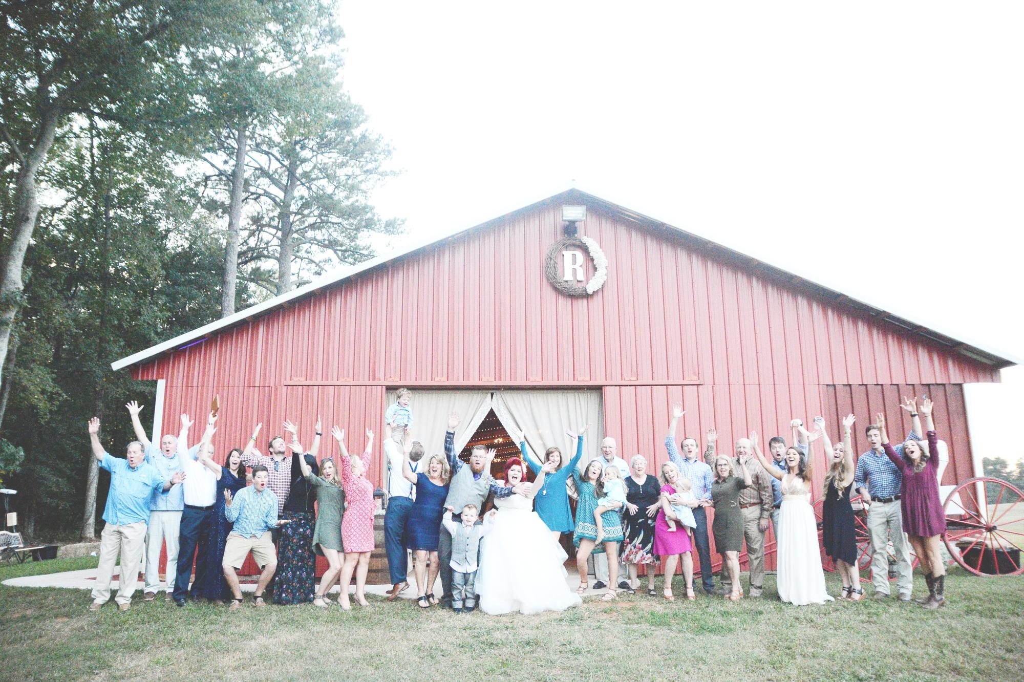 the-red-tin-barn-wedding-six-hearts-photography081