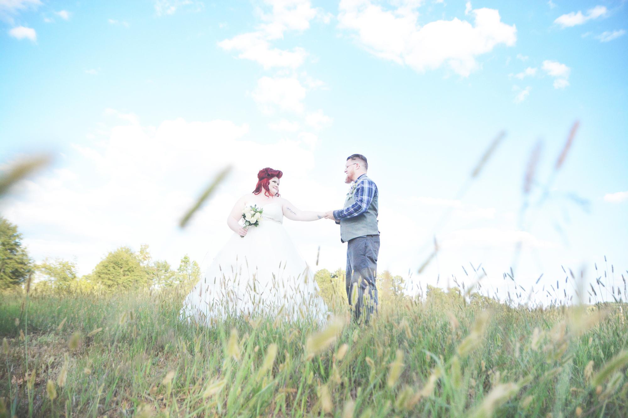 the-red-tin-barn-wedding-six-hearts-photography087