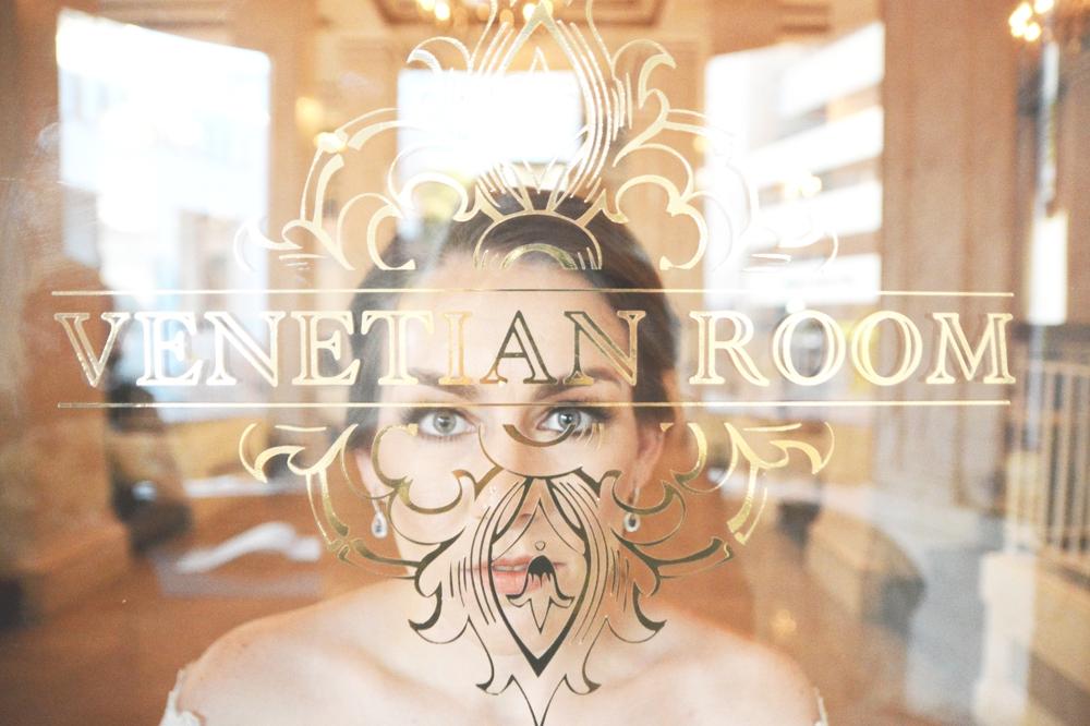 venetian-room-wedding-six-hearts-photography008
