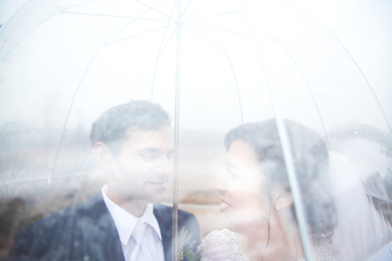 legacy-lookout-foxhall-resort-rainy-day-wedding-six-hearts-photography001