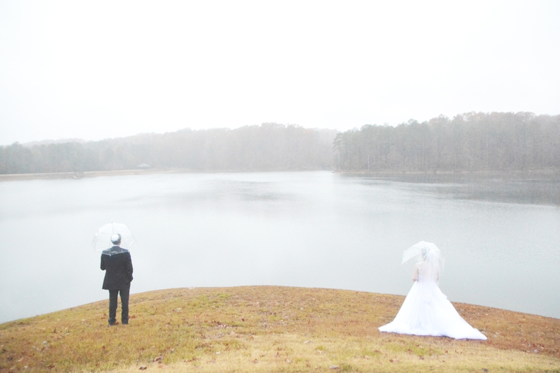 legacy-lookout-foxhall-resort-rainy-day-wedding-six-hearts-photography002