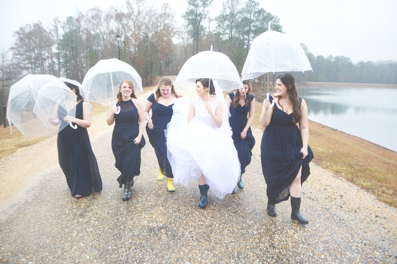 legacy-lookout-foxhall-resort-rainy-day-wedding-six-hearts-photography015
