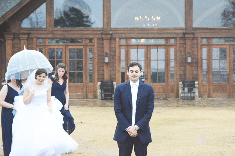 legacy-lookout-foxhall-resort-rainy-day-wedding-six-hearts-photography019