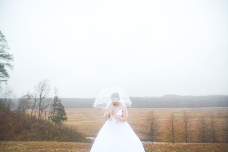 legacy-lookout-foxhall-resort-rainy-day-wedding-six-hearts-photography023