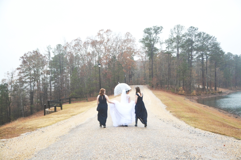 legacy-lookout-foxhall-resort-rainy-day-wedding-six-hearts-photography041