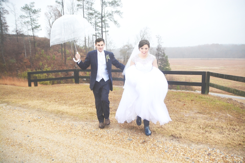 legacy-lookout-foxhall-resort-rainy-day-wedding-six-hearts-photography048