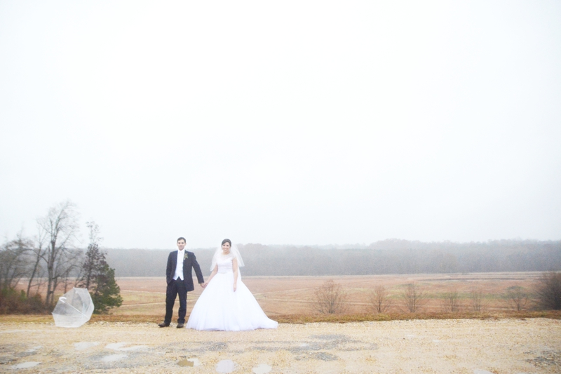 legacy-lookout-foxhall-resort-rainy-day-wedding-six-hearts-photography050