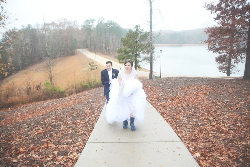 legacy-lookout-foxhall-resort-rainy-day-wedding-six-hearts-photography053