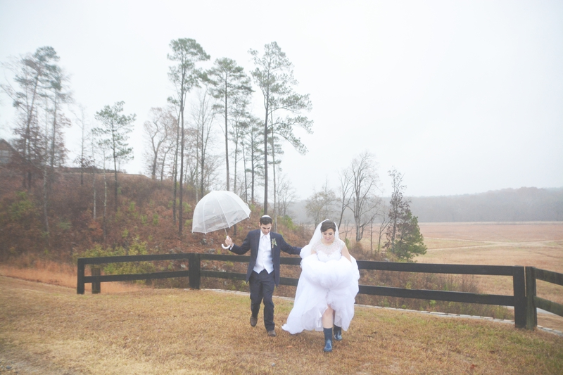 legacy-lookout-foxhall-resort-rainy-day-wedding-six-hearts-photography073
