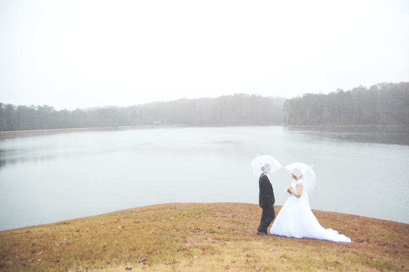 legacy-lookout-foxhall-resort-rainy-day-wedding-six-hearts-photography074