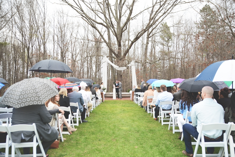 Wedding at The Barn at Oak Manor - Six Hearts Photography003