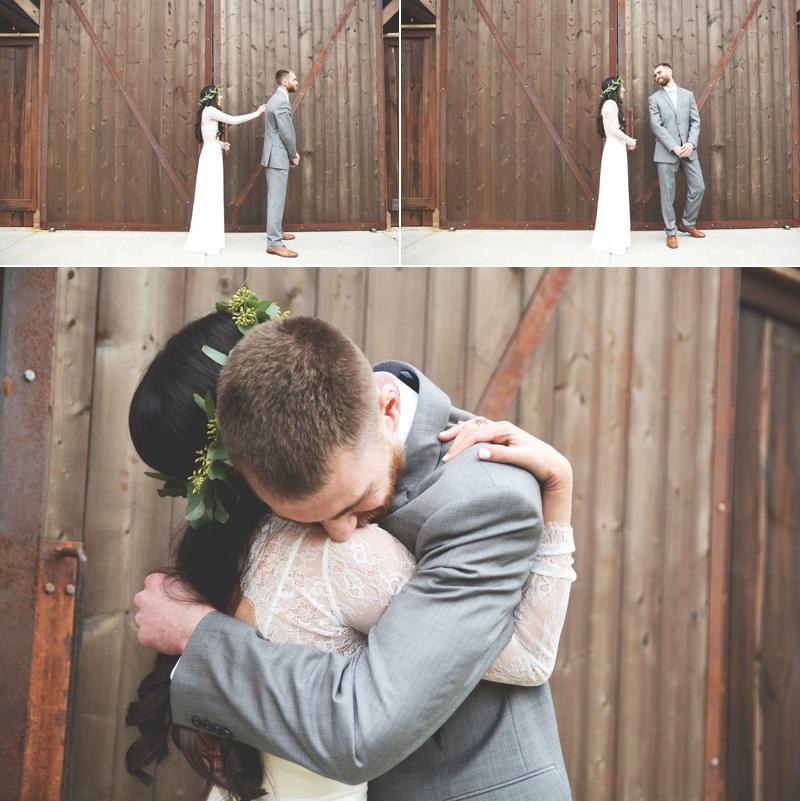 Wedding at The Barn at Oak Manor - Six Hearts Photography013