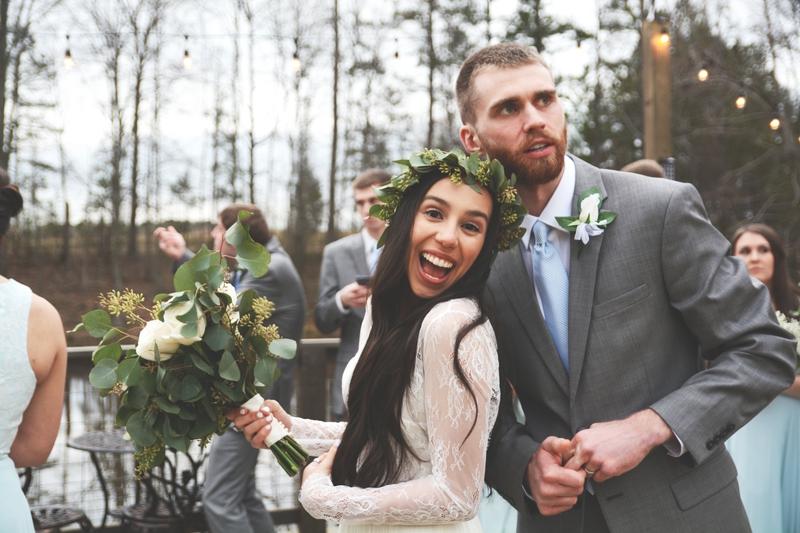 Wedding at The Barn at Oak Manor - Six Hearts Photography049