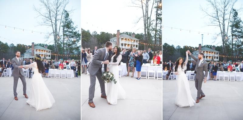 Wedding at The Barn at Oak Manor - Six Hearts Photography057