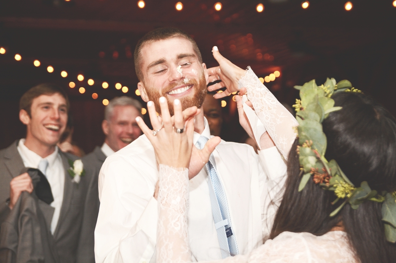 Wedding at The Barn at Oak Manor - Six Hearts Photography060