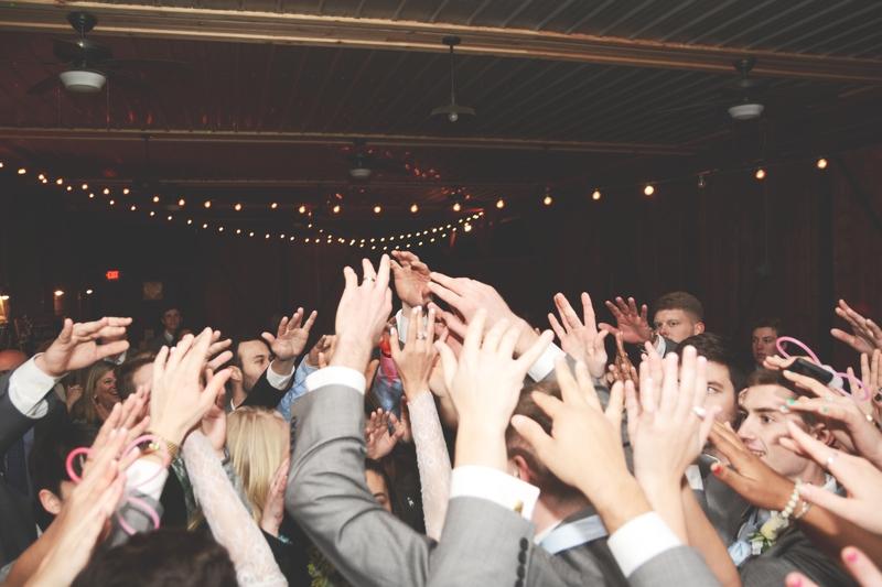 Wedding at The Barn at Oak Manor - Six Hearts Photography062